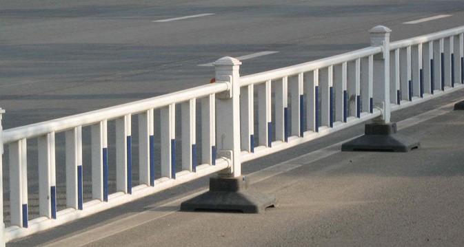 道路栏杆_护栏钢结构件_建筑材料_商315(www.shang315